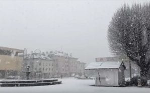 SLOW MOTION VIDEO The snowy day in Gospić